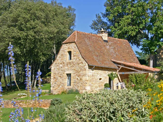 Charming gite with architecture typical of the Perigord