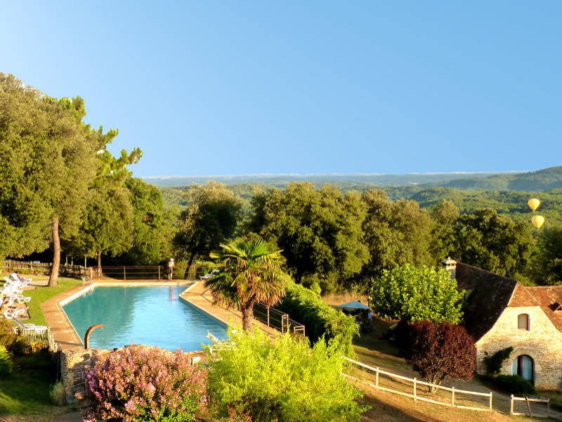 Swimming pool and panorama at Hameau du sentier des   			sources, Sarlat