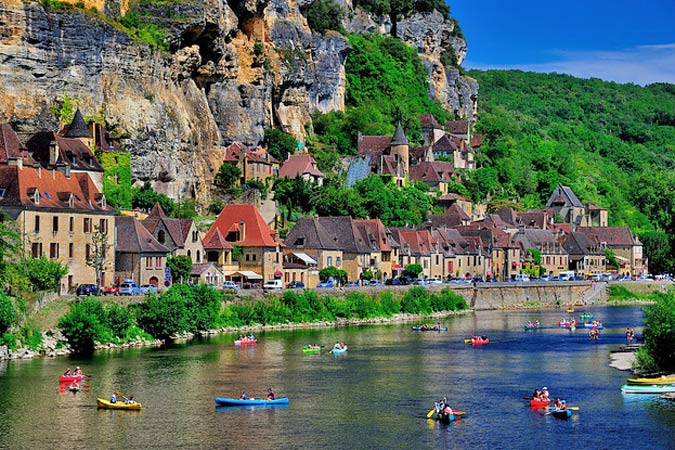 Canoeing on the Dordogne in the south of France